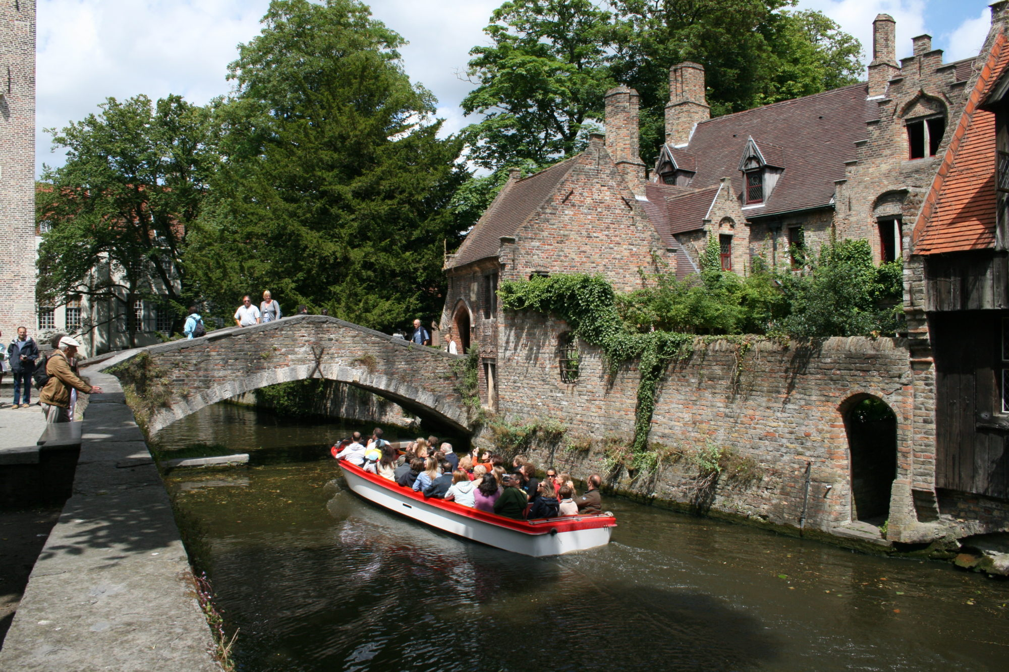 Bruges Brugge canals GO experience Belgica